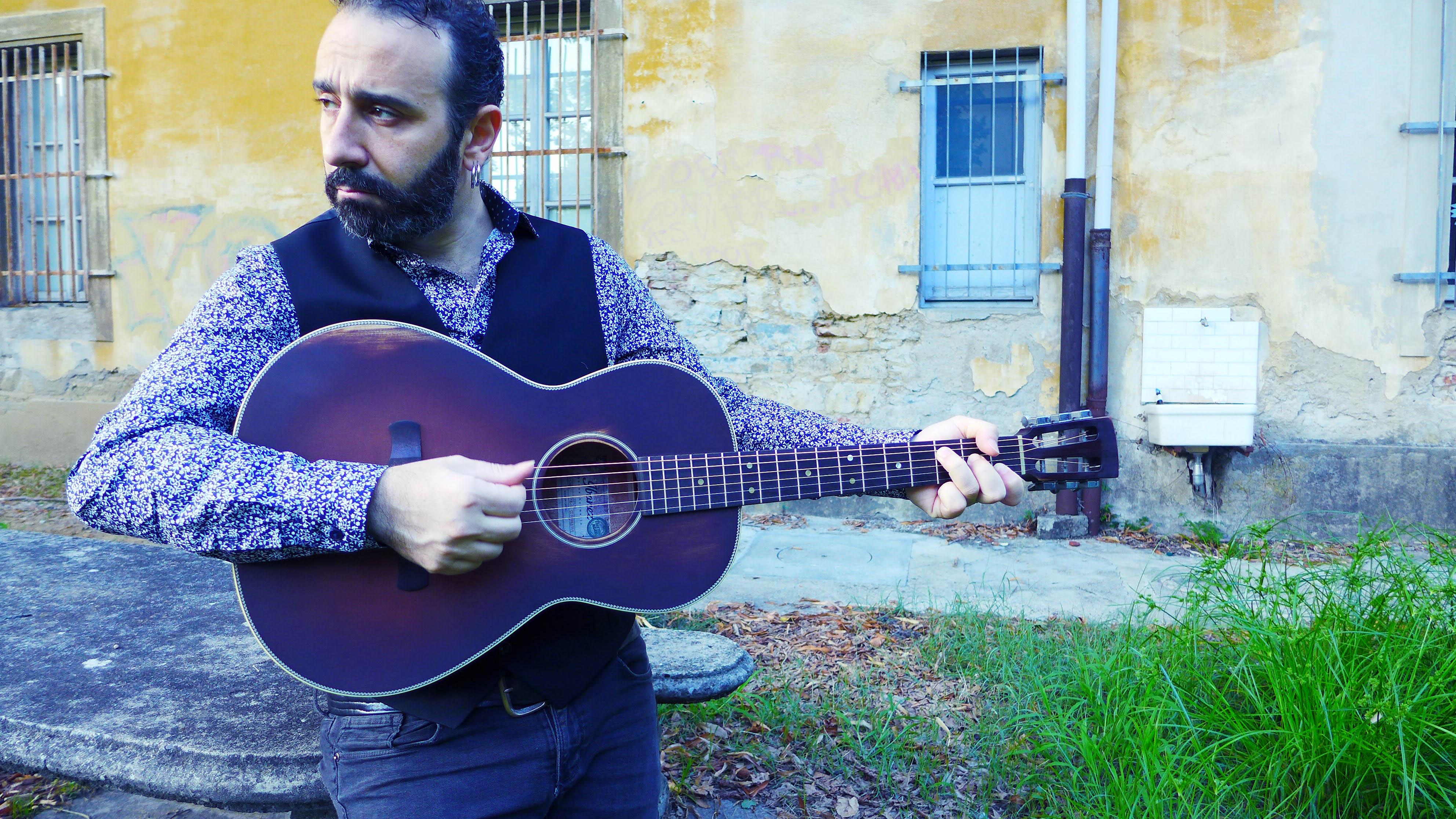 Intervista Massimiliano Larocca: istruzioni per uscire dai nostri inferni personali
