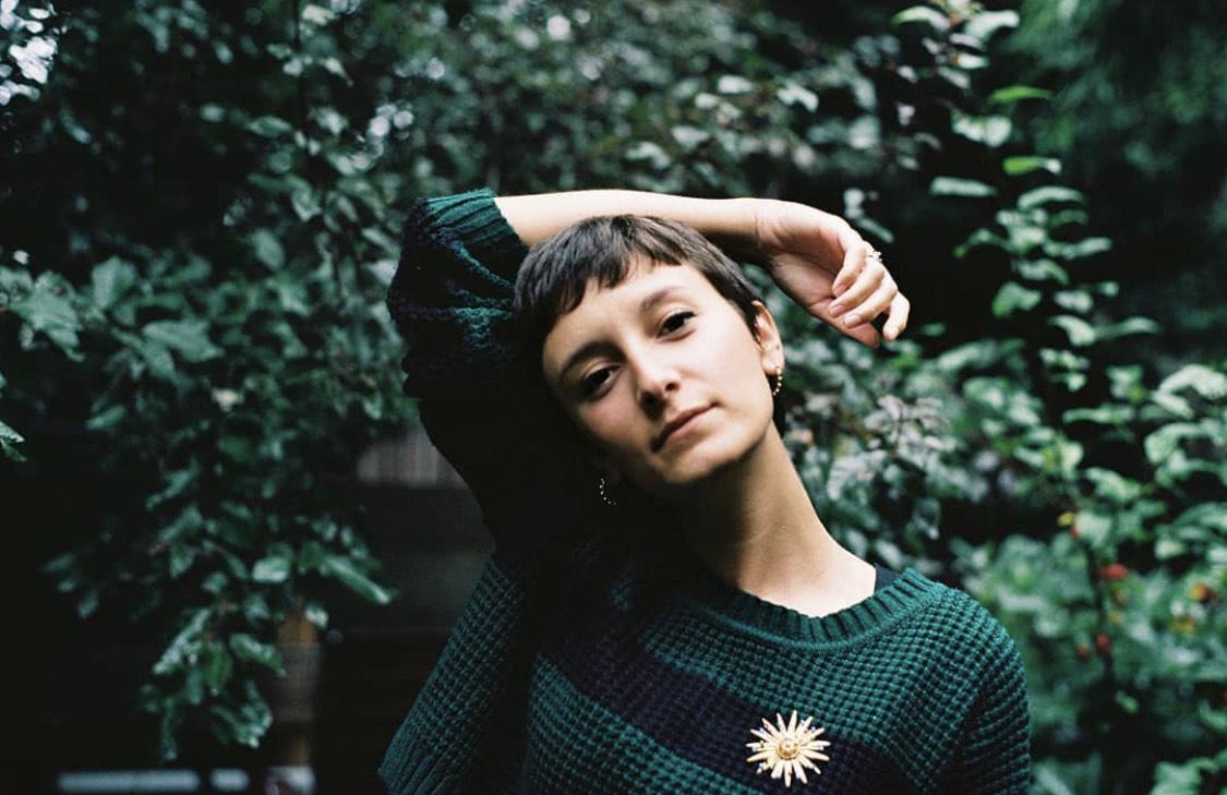 Marta Arpini è la cantastorie contemporanea che aspettavamo
