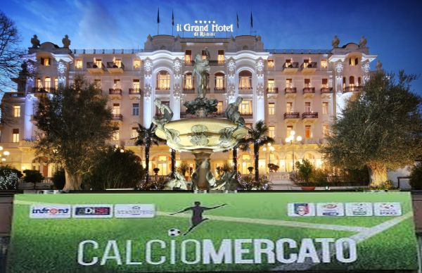 Calciomercato 20/21, si parte da Rimini (con una protesta)