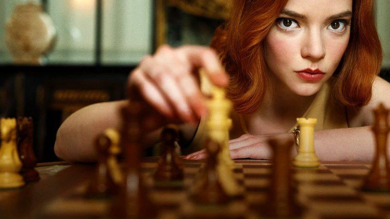 La Regina degli Scacchi: tra genio e demoni interiori