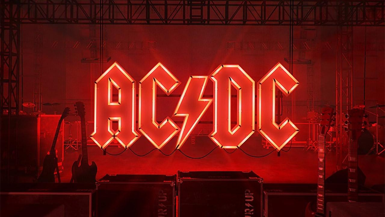 AC/DC, Power UP: si accende la luce. La corrente c'è