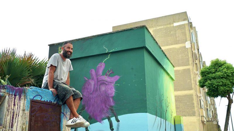 Gianle Lametà e la sua arte tra muri, carta e legno