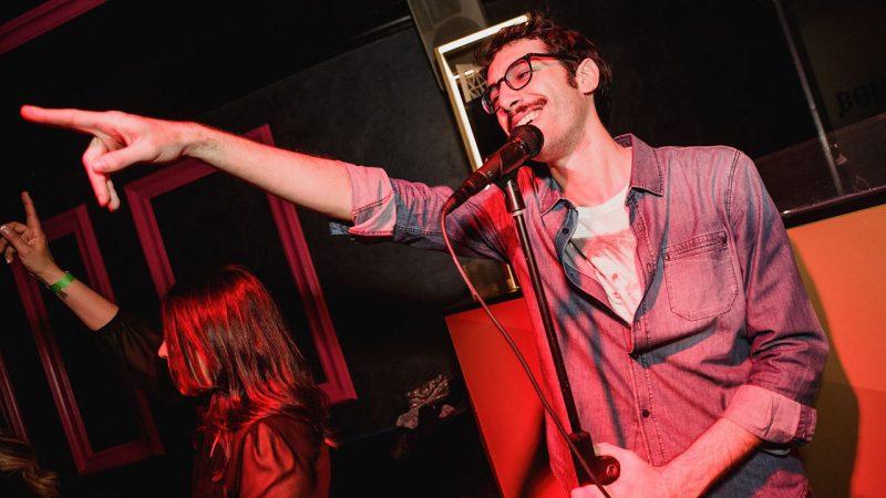 Ruggero durante un concerto