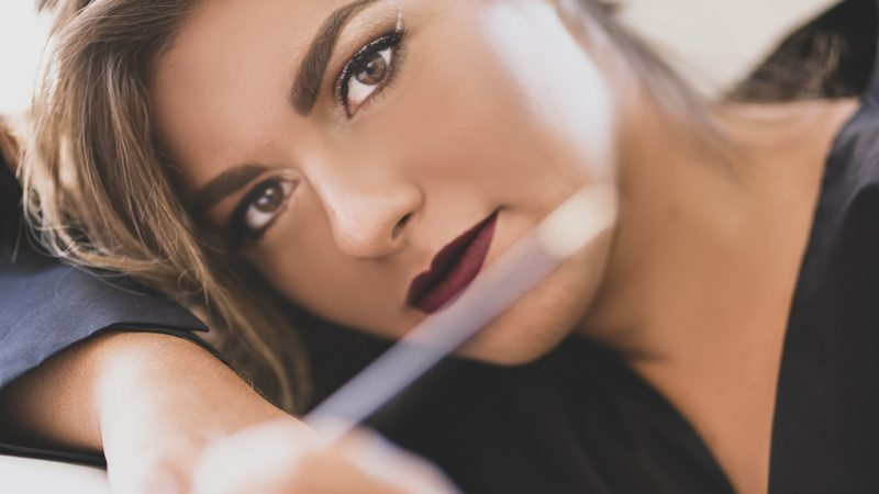 """Veronica e """"Acustico"""" il nuovo singolo"""