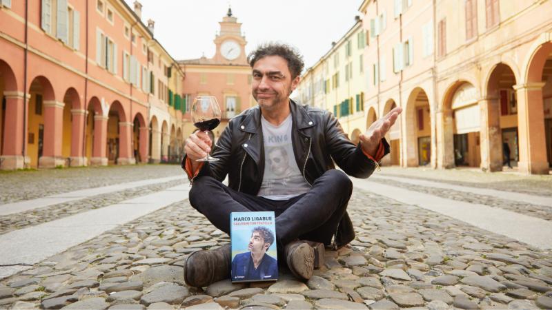 """""""Salutami tuo fratello"""": la nuova sfida di Marco Ligabue"""