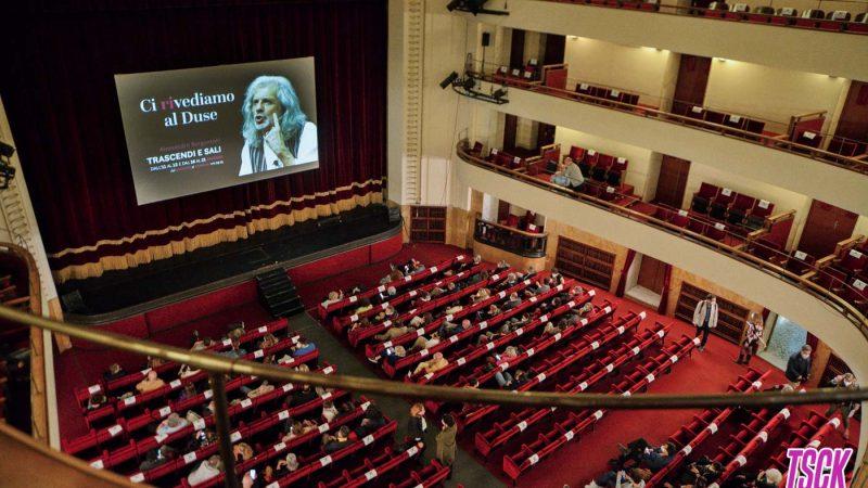 """Il Teatro Duse riparte con """"Trascendi e Sali"""" di Alessandro Bergonzoni"""